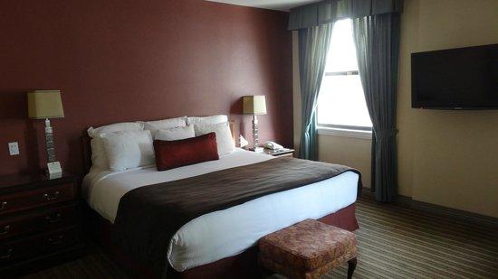 The Roosevelt Hotel: ベッド