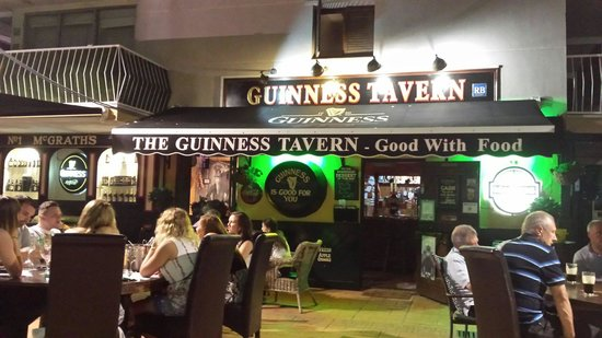 The Guinness Tavern: Another busy night !