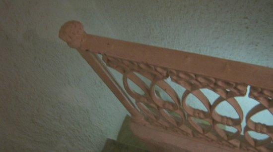 Bsea Cancun Plaza: escalera para bajar a las habitaciones