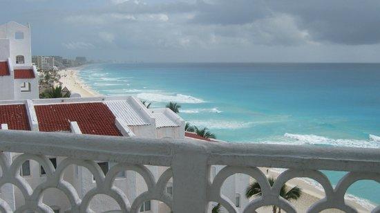 Bsea Cancun Plaza: vista del balcon de la cocina