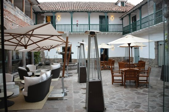 Casa Andina Private Collection Cusco : Cafe seating in one of their internal courtyards