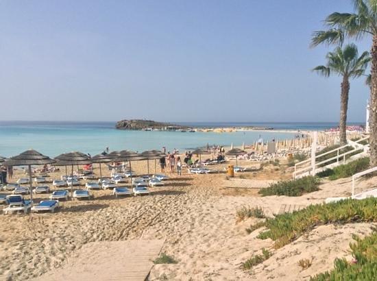 Nissiana Hotel & Bungalows: пляж nissi beach