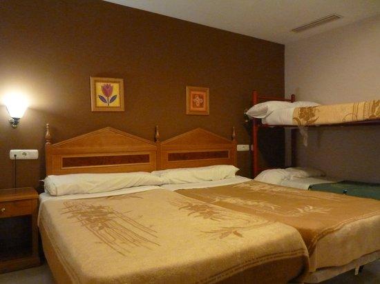 Hotel Tocina Business : Habitación cuádruple