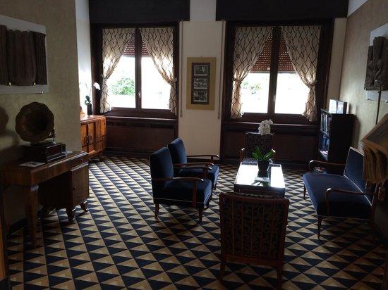 Grand Hotel & SPA : Una delle salette per leggere o giocare alle carte