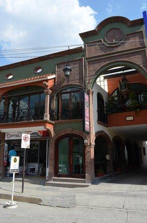 San Luis de la Paz, Mexico: Fachada del edificio (no confundir con el otro hotel pegado al lado)