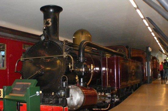 London Transport Museum: Early Underground steam train