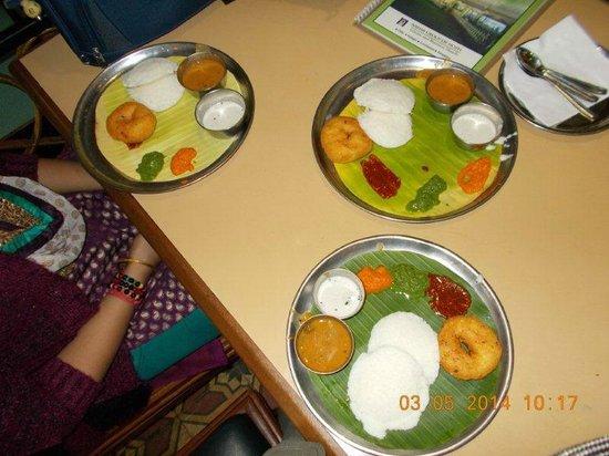 The Garden Café: Idli Vada Set_Very Tasty