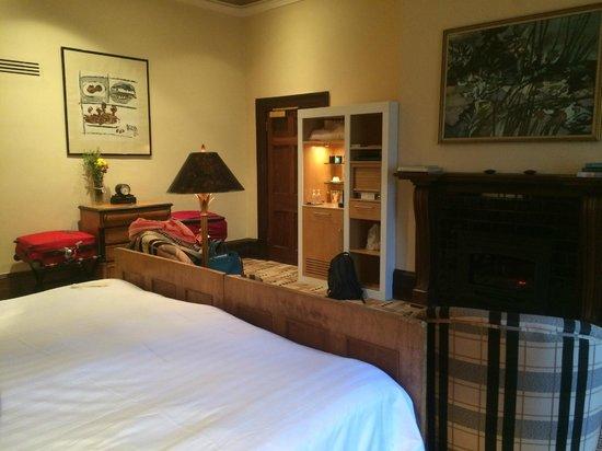 Islington Hotel: Regency Room, with fireplace