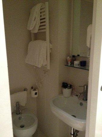 Pantheon 3E: Bathroom