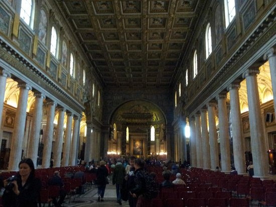 Basilica di Santa Maria Maggiore: Inside Santa Maria Maggiore church
