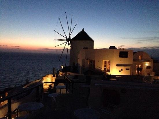 Kastro Oia Restaurant : Sunset