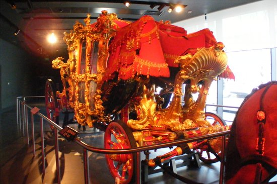 Museum of London : Lord Mayor's gold coach