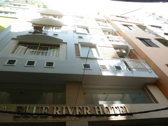 Blue River Hotel: fachada hotel