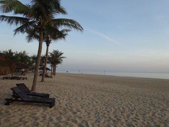 Ana Mandara Hue Beach Resort: プライベートビーチ