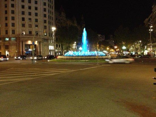 Passeig de Gràcia : 目印になる噴水