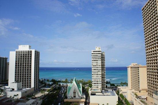 Hilton Waikiki Beach: View from 18th Floor corner suite