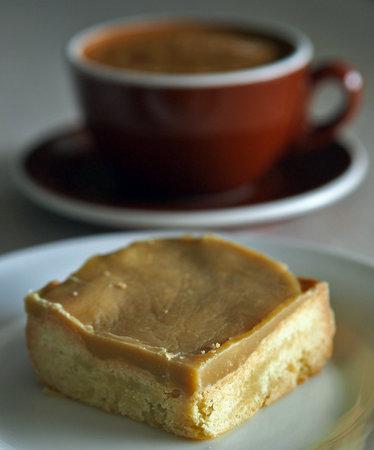 Cafe DMP : Ginger crunch slice