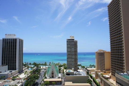 Hilton Waikiki Beach: View towards Waikiki Beach from 18th floor