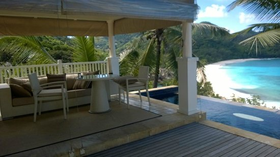 Banyan Tree Seychelles: Outside seating area and plunge pool