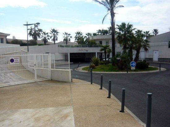 Lagrange Prestige Residence L'Ile Saint Martin: entrée sur l'ile st martin (parking et pietonnier)