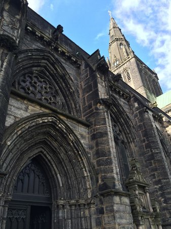 Glasgow Cathedral: Side shot.