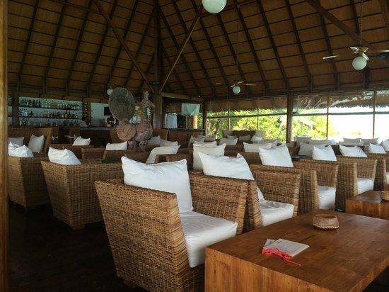 Gangehi Island Resort: bar corner