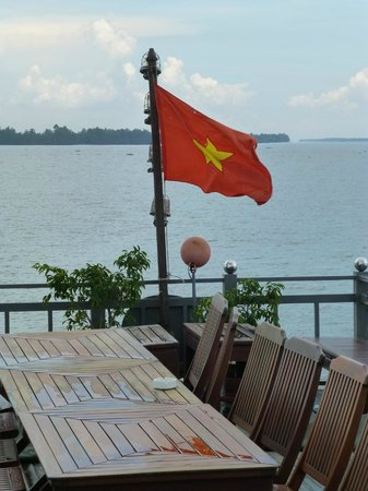 Mekong Eyes Cruise - Mekong One Day Tour : an Deck