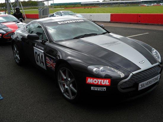 Silverstone Challenge - Silverstone Experience: Aston Martin V8