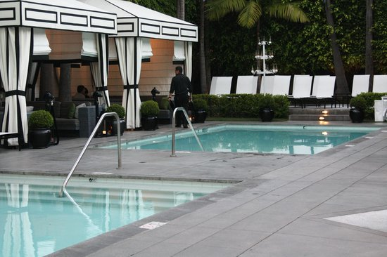 Viceroy Santa Monica: Pool Area with Gazebo's