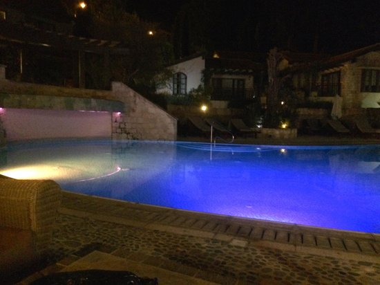 Ayii Anargyri Natural Healing Spa: A lovely touch, lit up at night