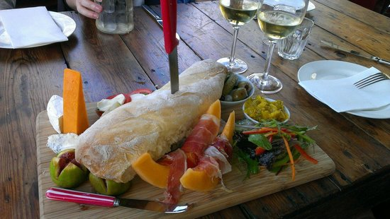 Phillips Brook Estate: Vineyard platter & chardonnay