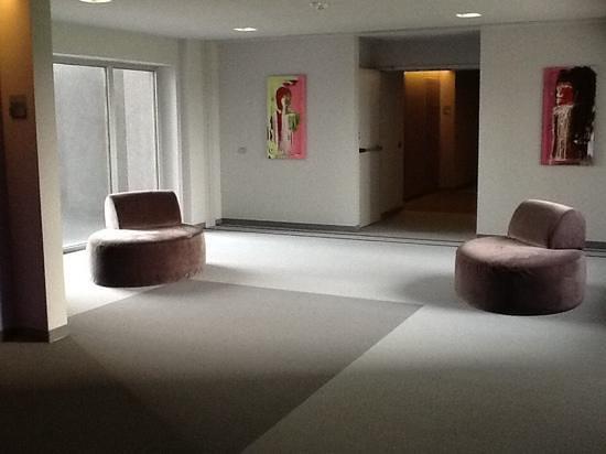 Cosmopolitan Business Hotel: corridoio stanze