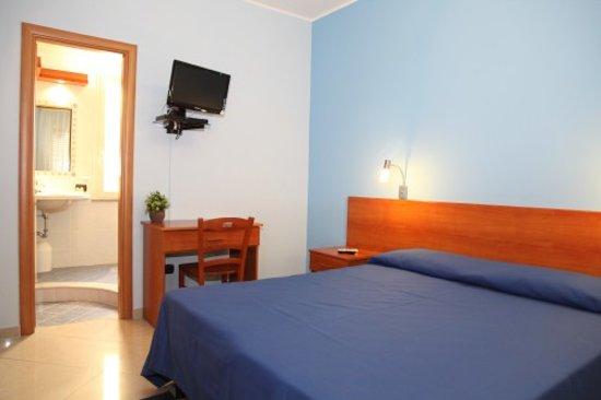 Sweet Home B&B: Camera blu con veranda
