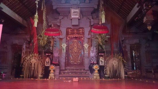 Peliatan Royal Palace: 会場(鮮明ではなくすいません)