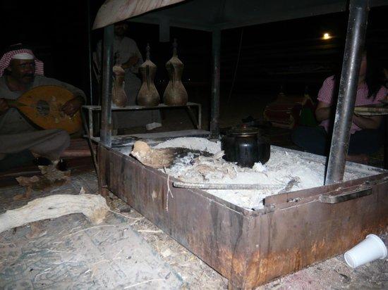 Wadi Rum Day Tours: Abend im Camp