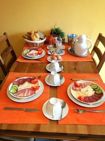 Penzion Delanta: Breakfast for three!