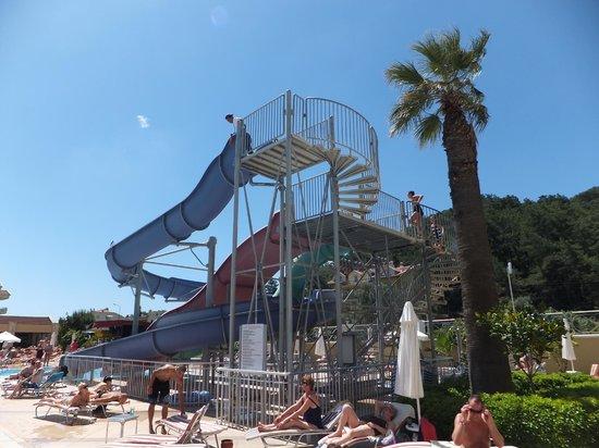 Grand Pasa Hotel: Kids slides (Unattended)
