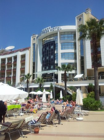 Grand Pasa Hotel: Frontage