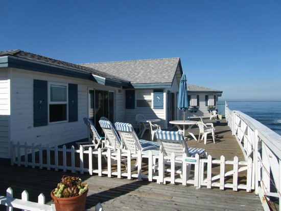 Crystal Pier Hotel & Cottages: terraza