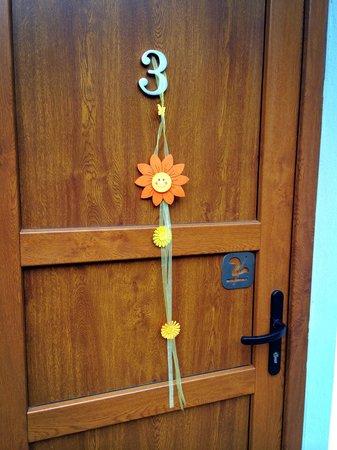 Penzion Delanta: Cute deco on doors