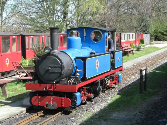 Kirklees Light Railway: Superbly turned out engine