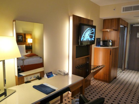 Radisson Blu Hotel, Hamburg Airport: Businesszimmer