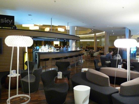 Radisson Blu Hotel, Hamburg Airport: Barbereich