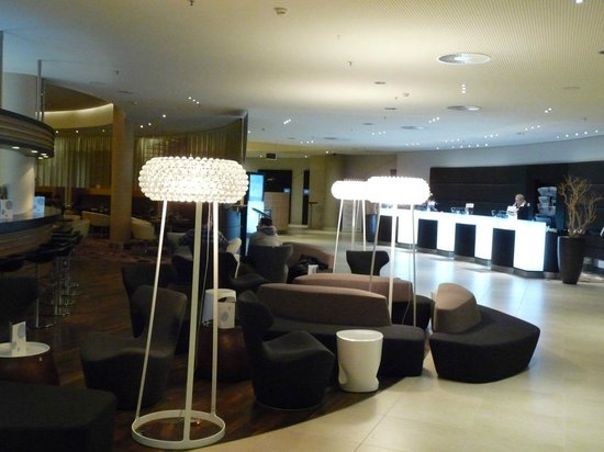 Radisson Blu Hotel, Hamburg Airport: Rezeption