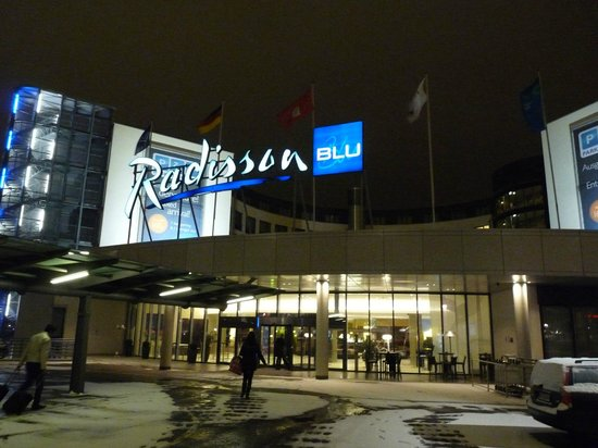 Radisson Blu Hotel, Hamburg Airport: Hotel-Eingang