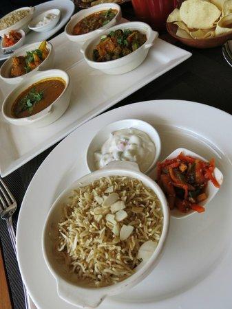 Nirwana Gardens - Mayang Sari Beach Resort : Spice Restaurant - my okra lunch set