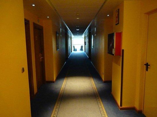 Tryp Gijon Rey Pelayo Hotel: Pasillo