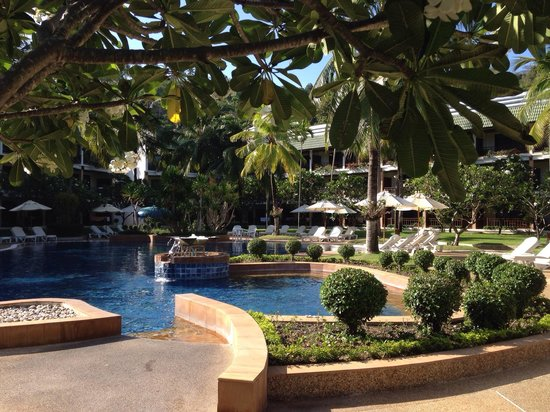 Katathani Phuket Beach Resort: Garden view pool