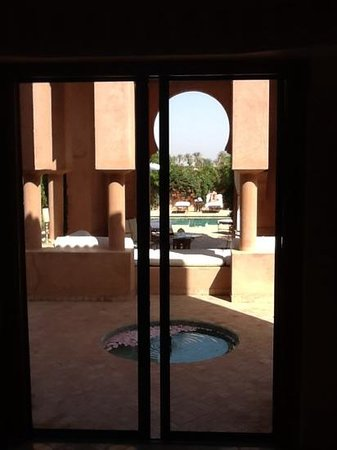 Amanjena: pavillon piscine le matin