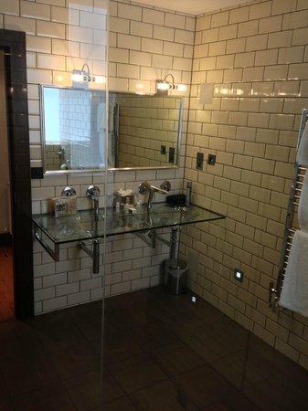 The Claremont Hotel: Bathroom Basins